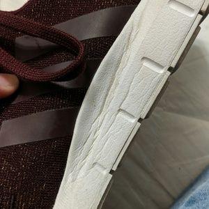 adidas Shoes - Adidas swift runs